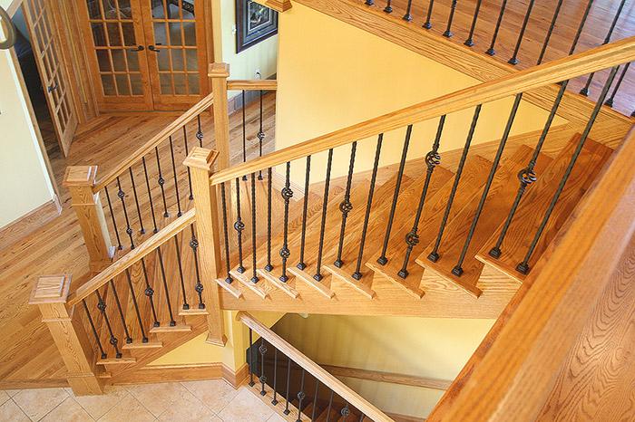 Как сделать лестницу с перилами и балясинами